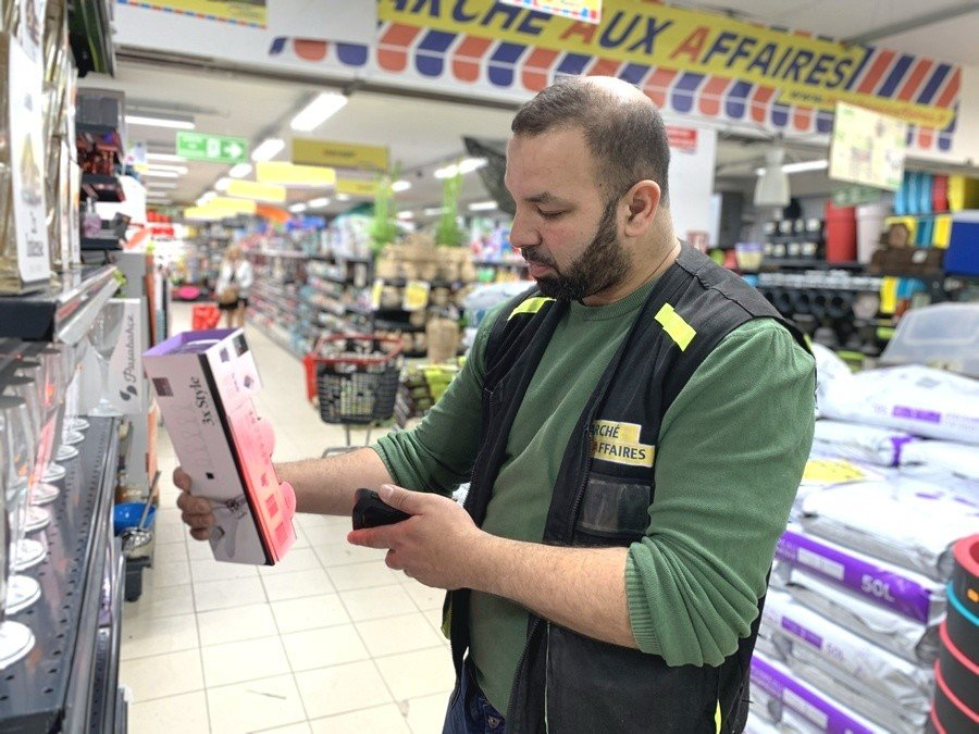 Retail Solution - Marché Aux Affaires Discount Stores Increase Employee's Work Efficiency for Inventory Management|Australia CipherLab world leader in AIDC solutions