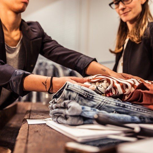 Retail Solution|Fashion Industry - Improve In-Store Staff's Stock Checking Efficiency with CipherLab RK25 Rugged Mobile Computer